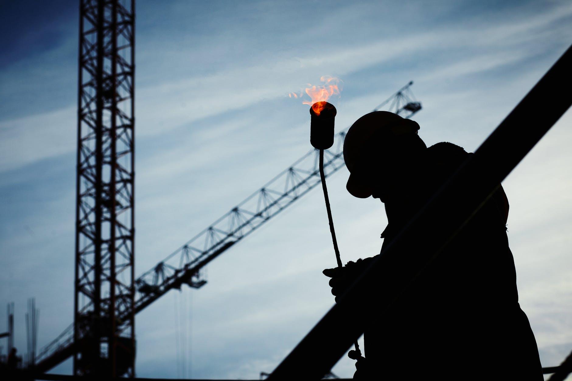 Normas De Control, Prevención y Sanción de las Empresas que Manejen Materiales de Hidrocarburos